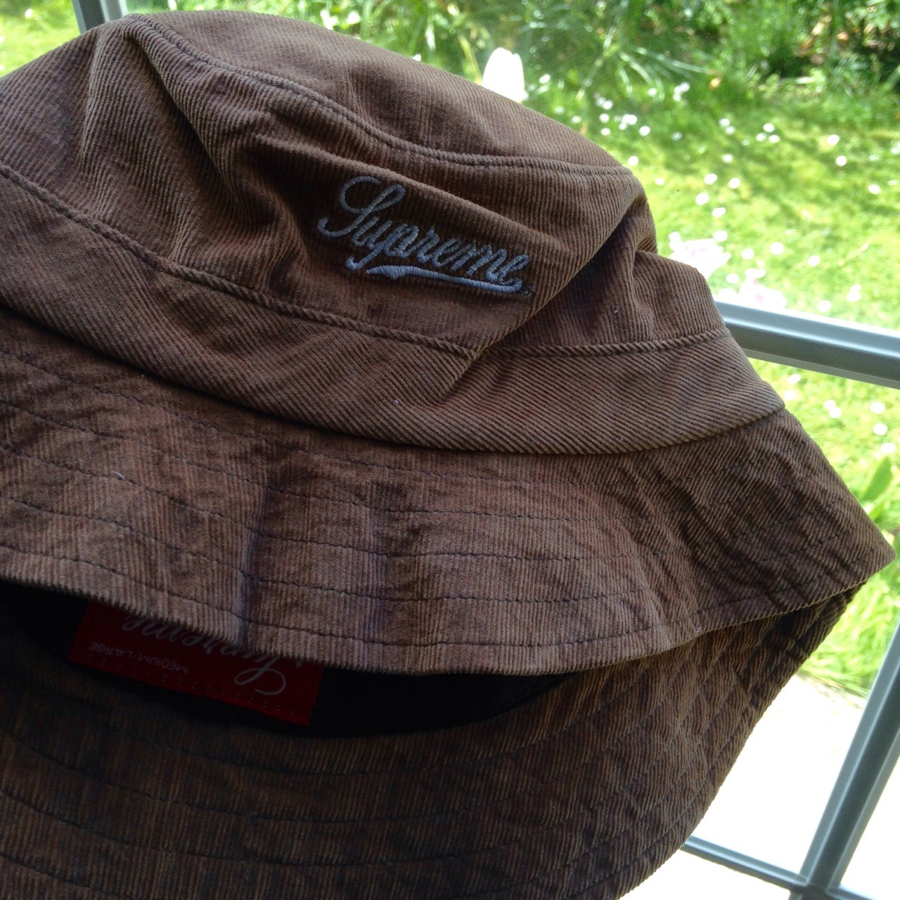 Supreme corduroy bucket hat. Never worn before 14a0ec9ad14