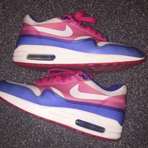 finest selection 48a49 338db  debbiebelshaw. 2 years ago. Glasgow, United Kingdom. Bright coloured size 5  Nike air woman s trainers ...