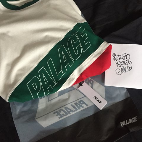 b223fe59 Palace R Stripe Tee (not triferg t-shirt) in supreme VNDS 2 - Depop