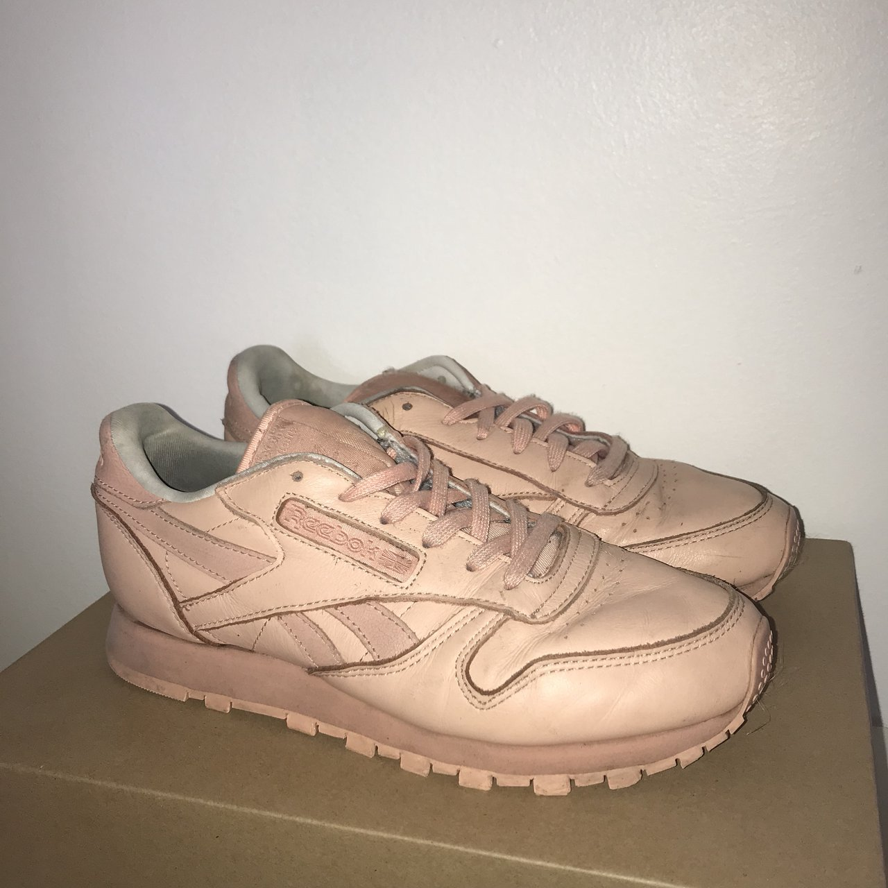 41f000cf2d54 🌸Reebok classic leather pastel pink ~ small mark on the in - Depop