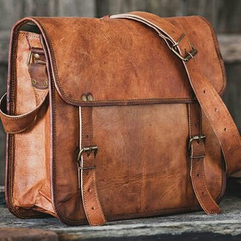 28492d6cc335  rayite. 2 years ago. United States. Vintage Leather Laptop Messenger  Crossbody Bag