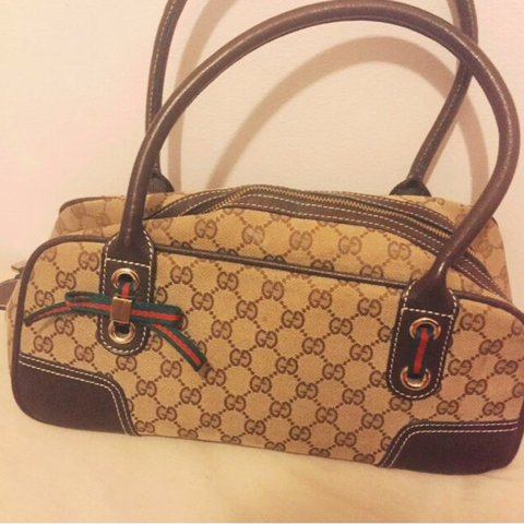 593905f5d65ea9 @lorrimaz. 3 years ago. Higham Ferrers, UK. AUTHENTIC Vintage Gucci Boston  bag in perfect condition ...