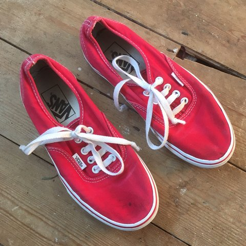 e6e38bb9c20e8c Red low classic top vans UK size 3 would also fit 3 ½ but on - Depop