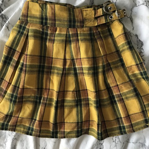 af04c3cb9 @jdfw. 11 months ago. Bedford, United Kingdom. Madison Beer X Missguided yellow  plaid skirt