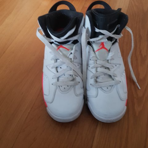 45fb81c98fb6 Air Jordans 6 Size 5 Red and White. Used but in excellent No - Depop