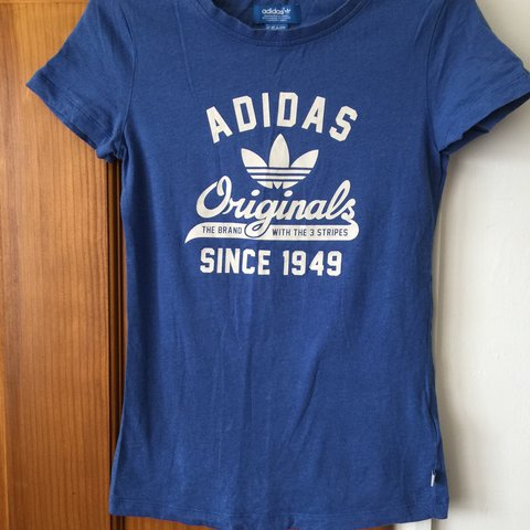 0d83af96 @jvizard08. 2 years ago. Swindon, United Kingdom. Womens blue adidas t/shirt  in excellent condition size ...