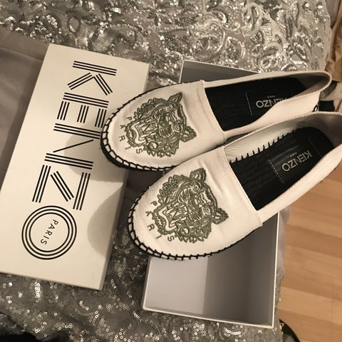 7dc934b31 @rebeccamccullagh. 4 months ago. Loughton, United Kingdom. BLACK FRIDAY DEAL  Real kenzo ...