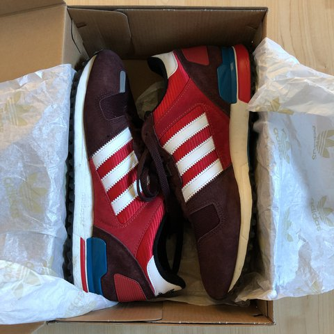 cf4ab5fe637e4 Adidas ZX 700 good condition only worn a handful of times OG - Depop