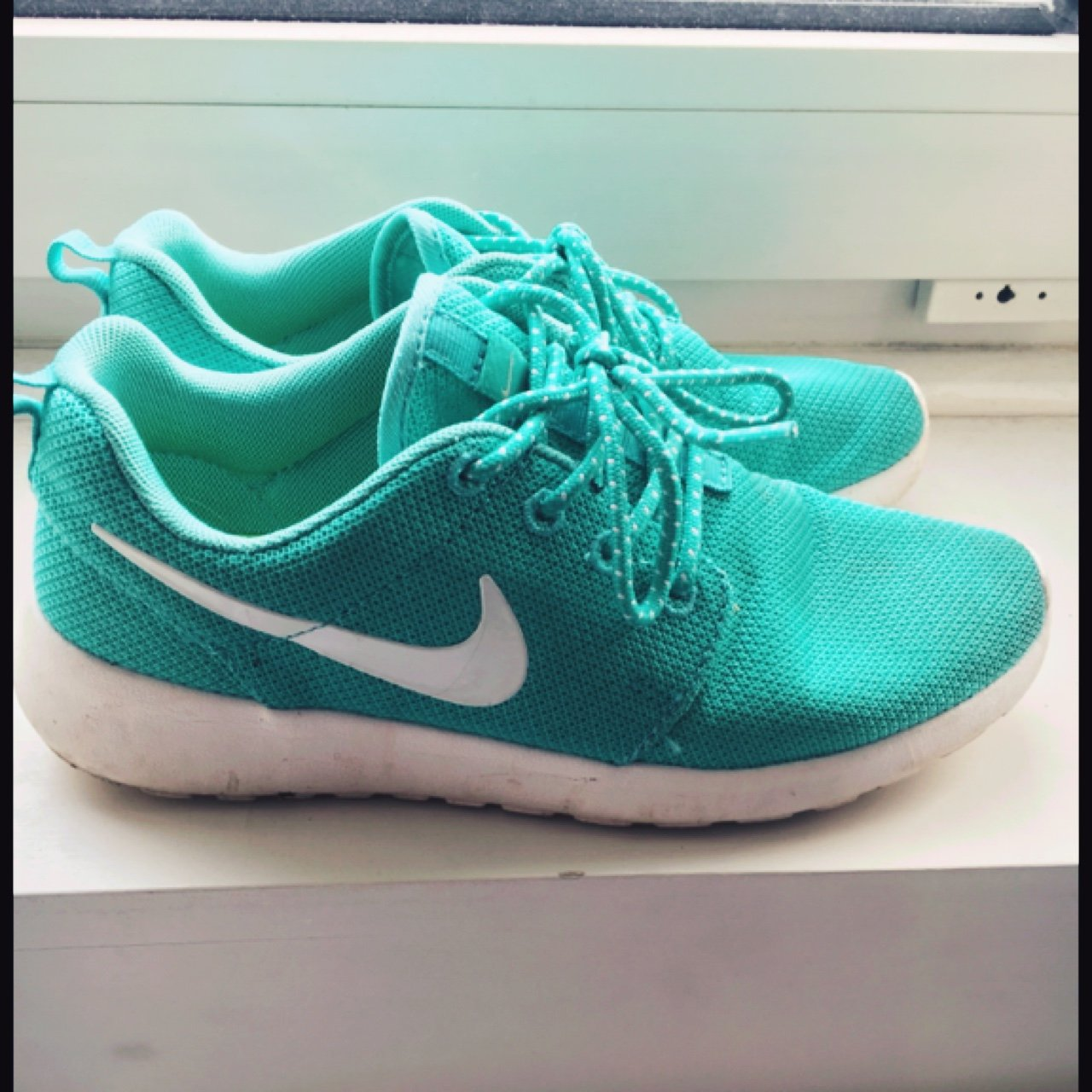 30e8bcc5f50a Nike roshe run size 5.5. Would fit 5 or small 6. Amazing as - Depop