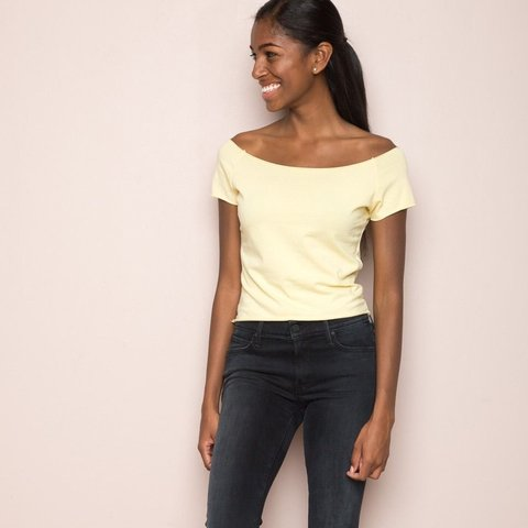 0834b10f8759 BRANDY MELVILLE YELLOW OFF THE SHOULDER TOP SHOP POLICY  No - Depop