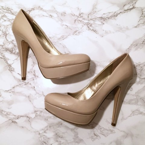 4e0d8afb829 G by GUESS Nude Patent Leather Pumps. US size 7   UK size 5. - Depop