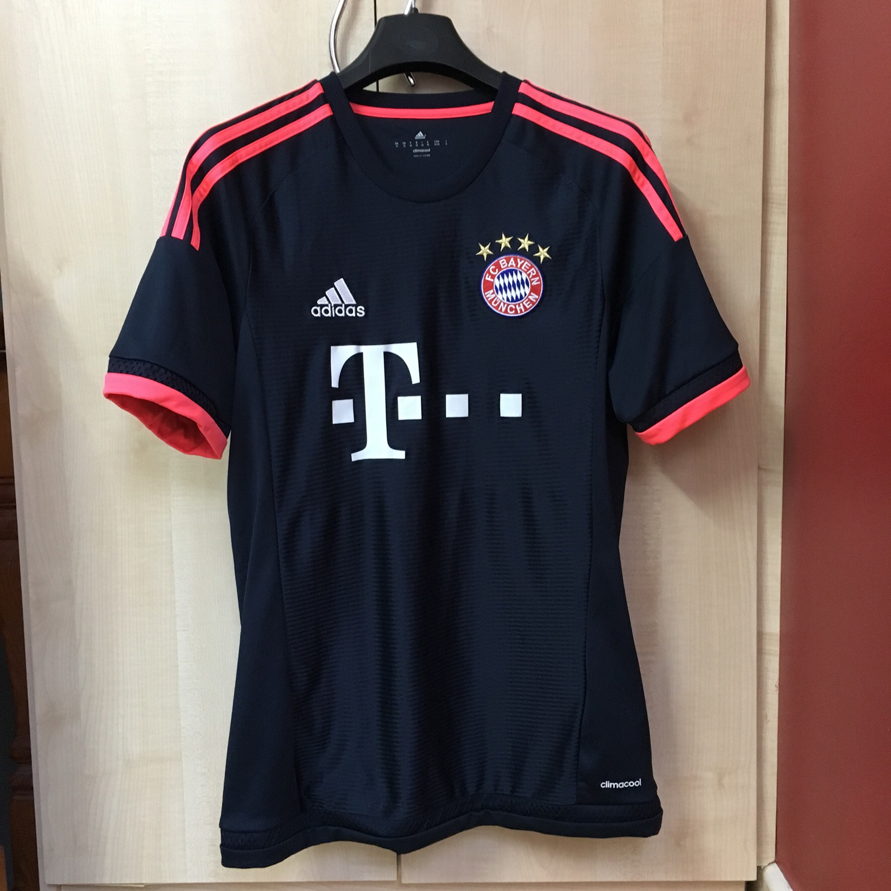 check out e6414 db810 Bayern Munich 15/16 third kit. Wavy colourway, hard... - Depop