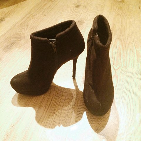 22a6e7c55ed New look heel boots size 4. Faux suede. Worn a couple of so - Depop