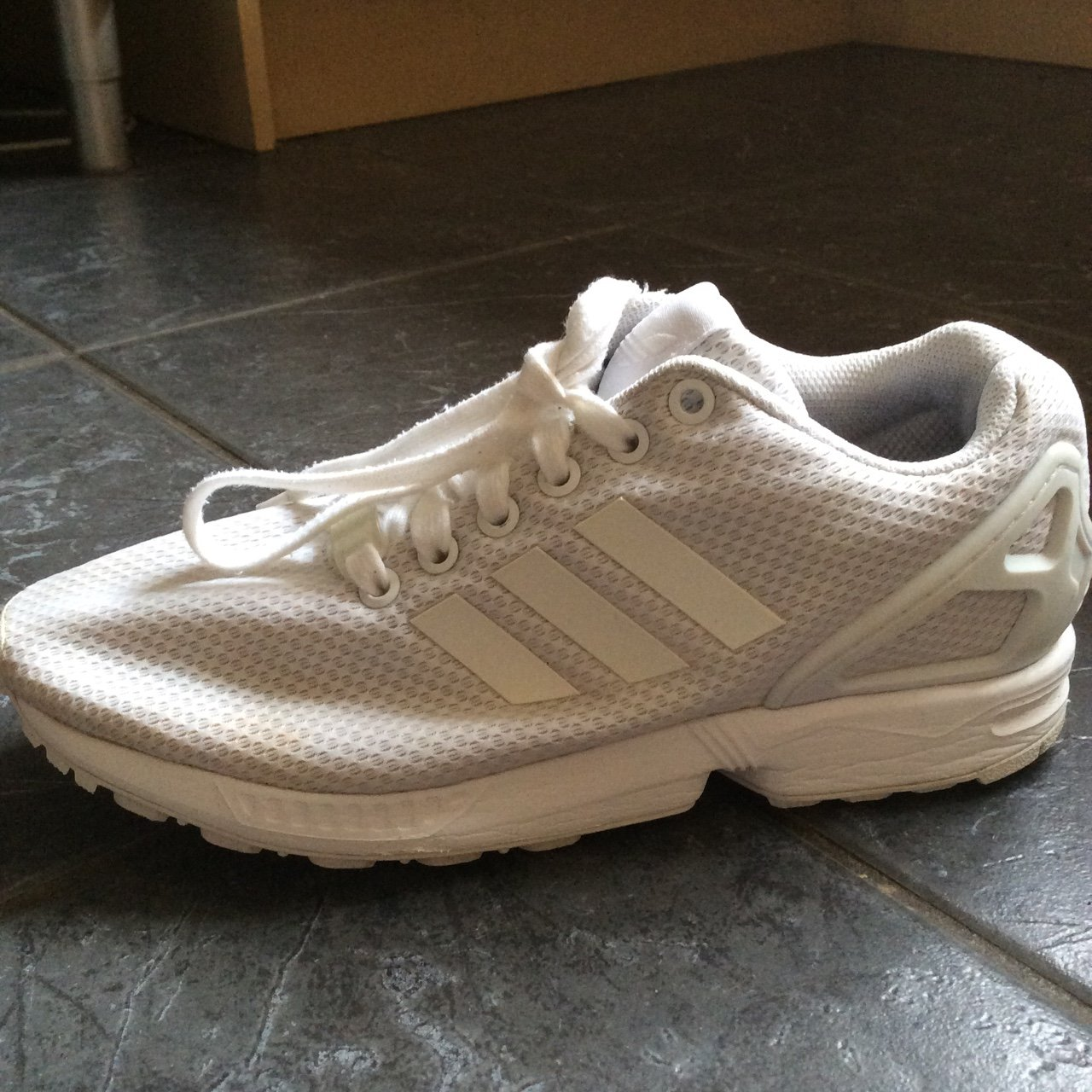 c4777f764 WHITE ADIDAS ZX FLUX TRAINERS Message