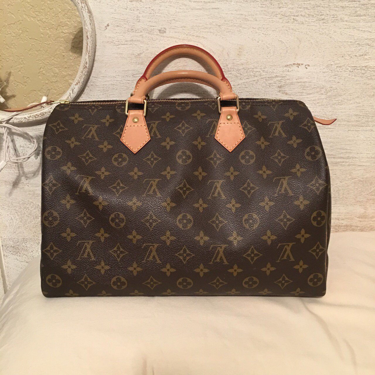 f0bb52f1b04463 Louis Vuitton speedy 35 in excellent condition. This bag has - Depop