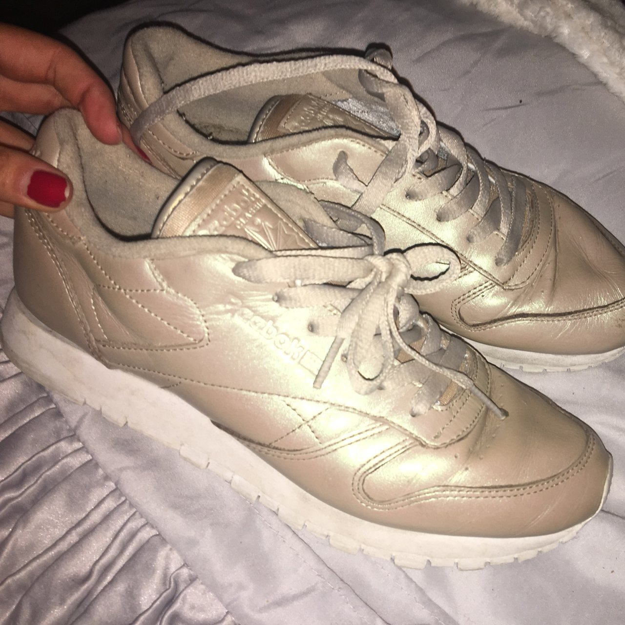 103c9a8c5ac Pearlised reebok classics Unique Used worn Size 6 for - Depop
