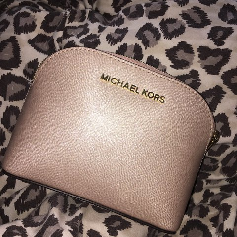 d00ef327f7eb Mollymckenziex 2 Months Ago Wirral United Kingdom Genuine Micheal Kors Rose  Gold Clutch Makeup Bag