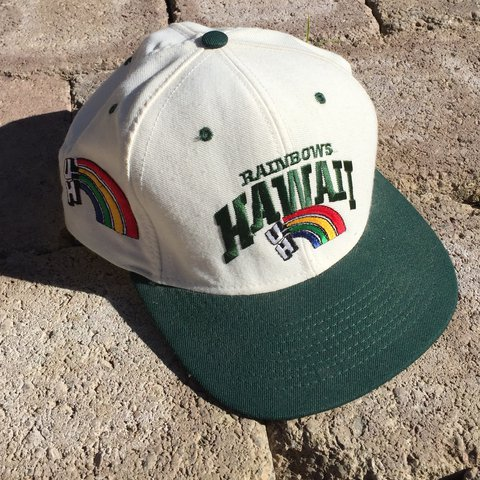 e907d12574a3f Rare   dope vintage University of Hawaii   Hawaii Rainbows - Depop