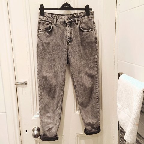 f1da981859 Topshop Mom jeans size 10 but could fit a size 12. W28 & a - Depop