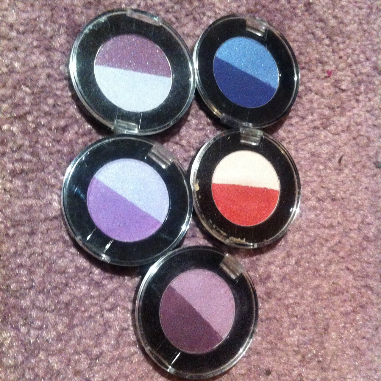6ca9521726c 5 different coloured eyeshadows.. Used