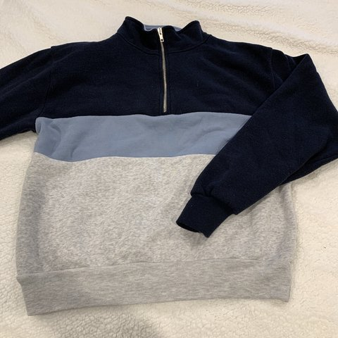 81abc7a444b78 Brandy Melville half zip sweatshirt- so soft and cozy Fits - Depop