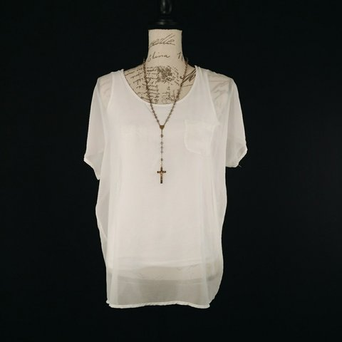eeb033c7ef8c09 @briarmcmillan. 12 days ago. Rossford, Ohio, US. Design History white  chiffon blouse. There is an opaque white tank ...