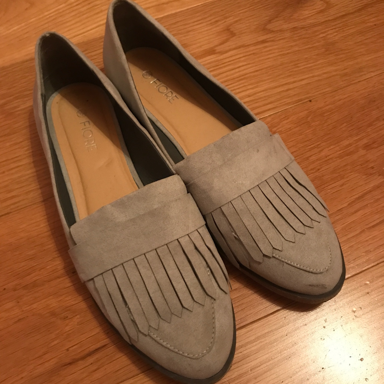 Faux suede loafers. Size 6. Grey in