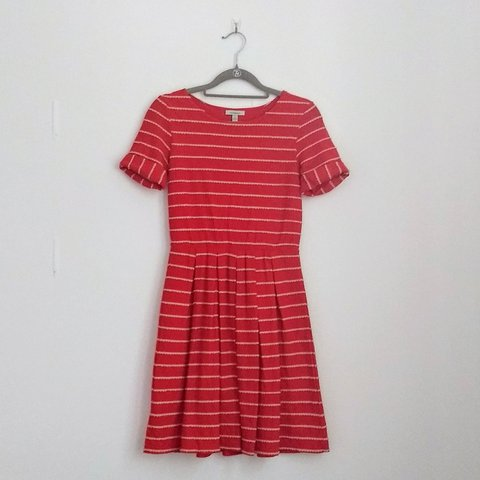 2188bd00c3f Anthropologie red jersey knit dress with adorable tan Fit   - Depop