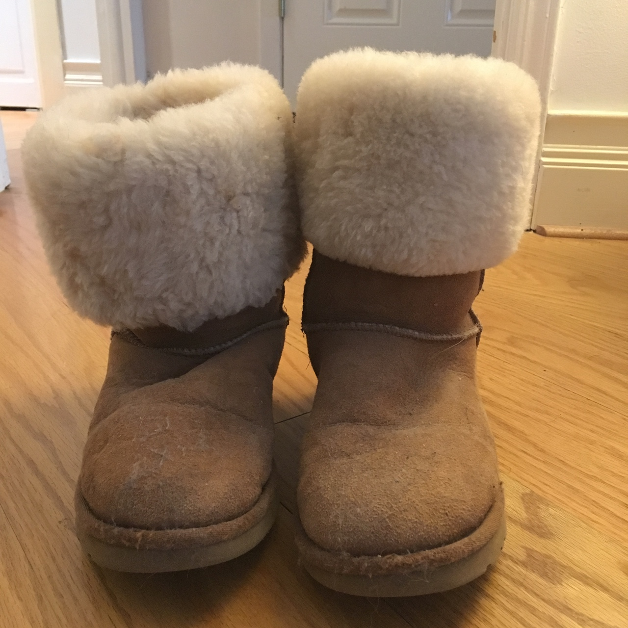 Genuine ugg boots for sale! These are