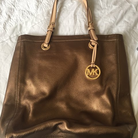 2b343105752a Michael Kors bronze leather tote bag  pale tan leather Very - Depop