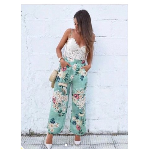 dd088008 @abrahamlucyx. 2 years ago. Merthyr Tydfil, United Kingdom. Zara floral  silk palazzo/ wide leg trousers. BRAND NEW WITH TAGS.