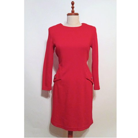 d630d8fb89e 1980s short long sleeved red dress. Shoulder pads and gold - Depop