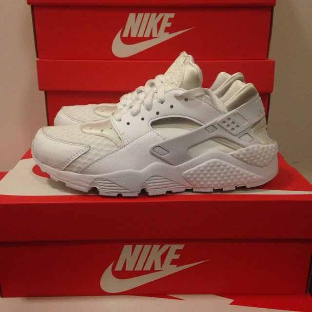 Nike Air Huarache \u0027Triple White\u0027 ▫️Brand new with box ▫️Size 10▫️SOLD OUT  in shops, Limited Edition, very rare. Message me for any queries.