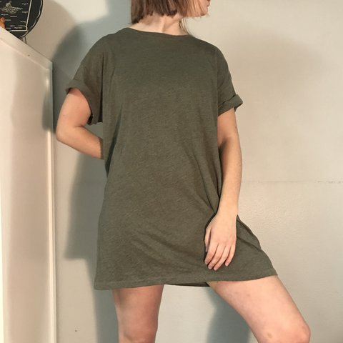 8673ad7813eaa 📻 H&M basic Divided brand olive/army green short t-shirt 5 - Depop