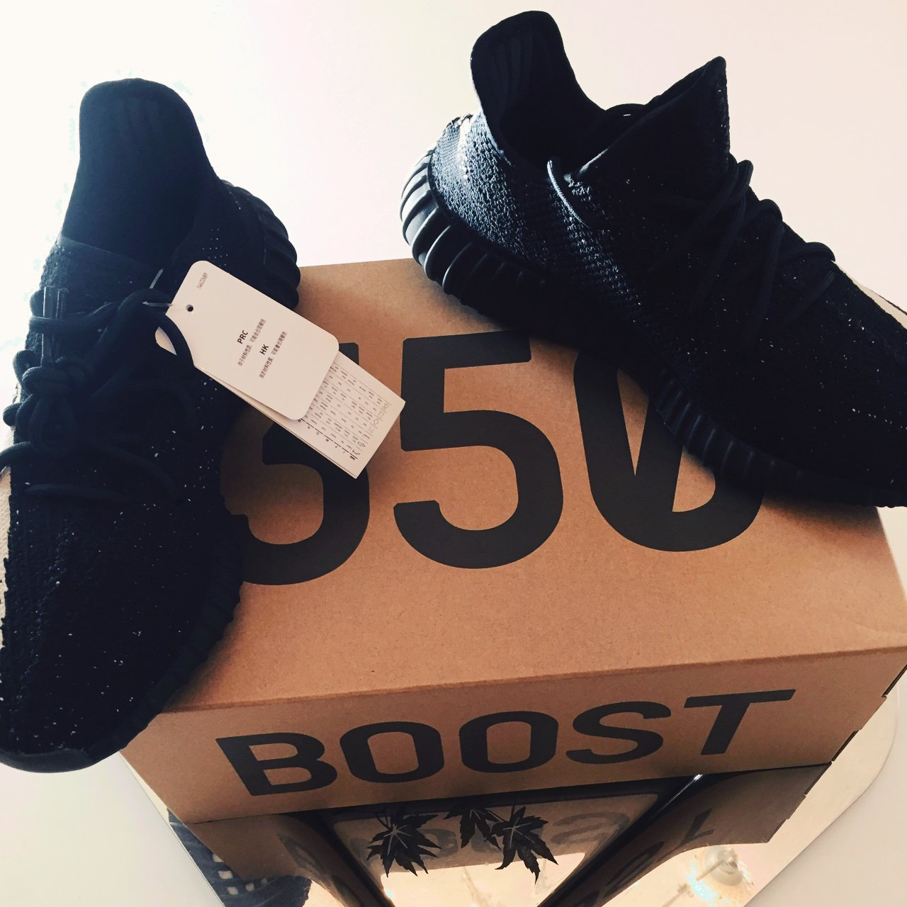 6a3f333cffa2e WTS Yeezy Boost 350 V2 Oreo DS Condition New with ogbox 100% - Depop