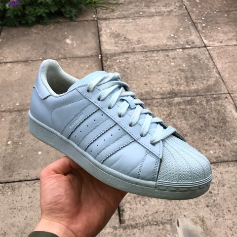 4a0f3a698d519 Selling my SIZE 7 Limited Edition Pharrell Williams Light 4 - Depop