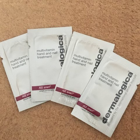 Dermalogica 4x Multivitamin Hand and Nail Treatment Sample - Depop