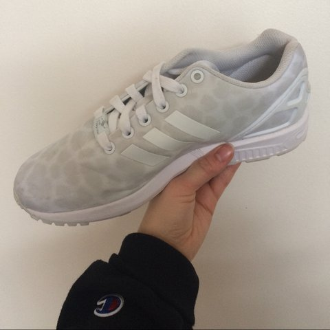 2b65b932a Adidas zx Flux White womens shoe size US 7.5. I wore these - Depop