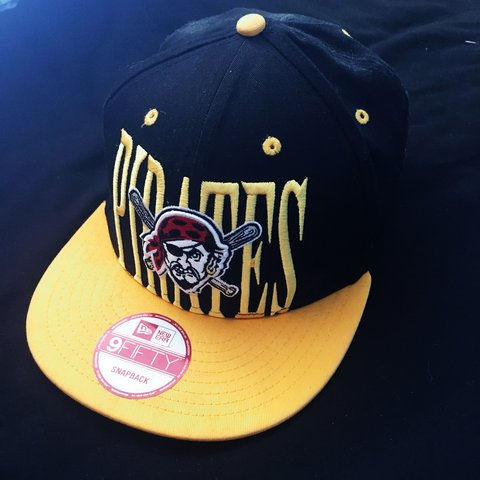 45fc11f41bdca Pittsburg pirates 9 fifty new era snap back barely worn in - Depop