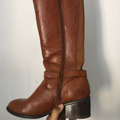 e369341ed1d Brown faux leather boots comes just below the knees zip up a - Depop
