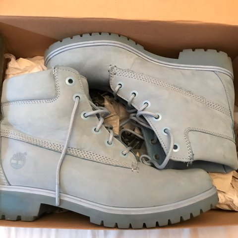 Baby blue timberland boots size 6! only been