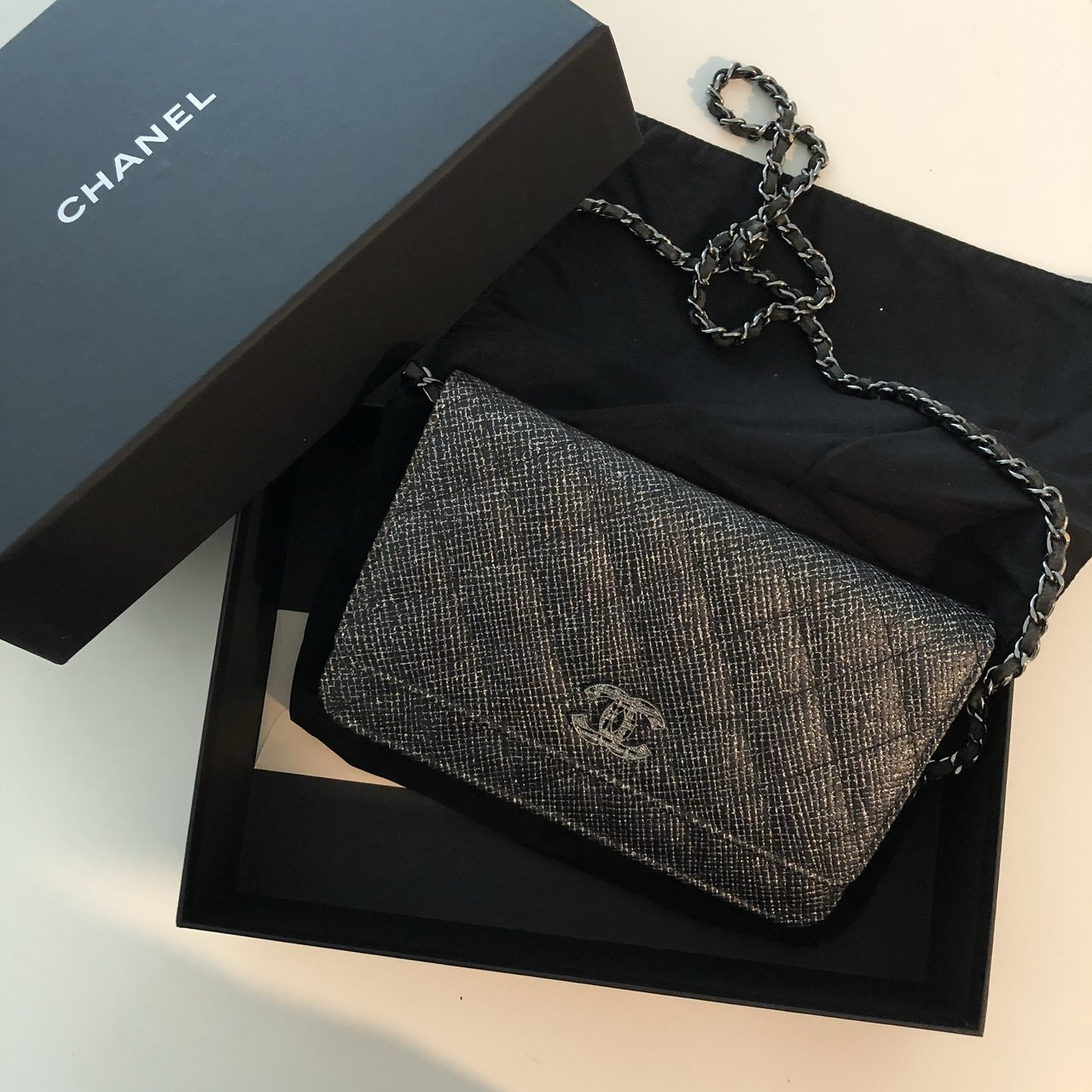 8de3e2f1fb76 Authentic Chanel Handbags