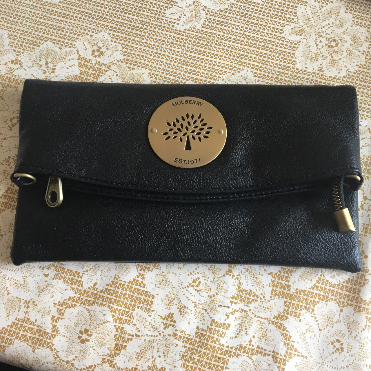 d4a4dbab1c05 Mulberry style fold over clutch bag🖤 most gorgeous bag with - Depop
