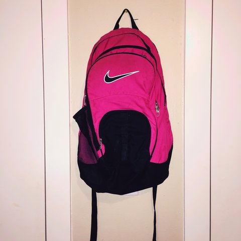 cfa67f5323 Pink and black everyday  Nike backpack (in decent - Depop