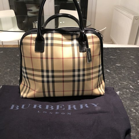 c2f948c139af Vintage Burberry bag great condition comes with dustbag 100% - Depop
