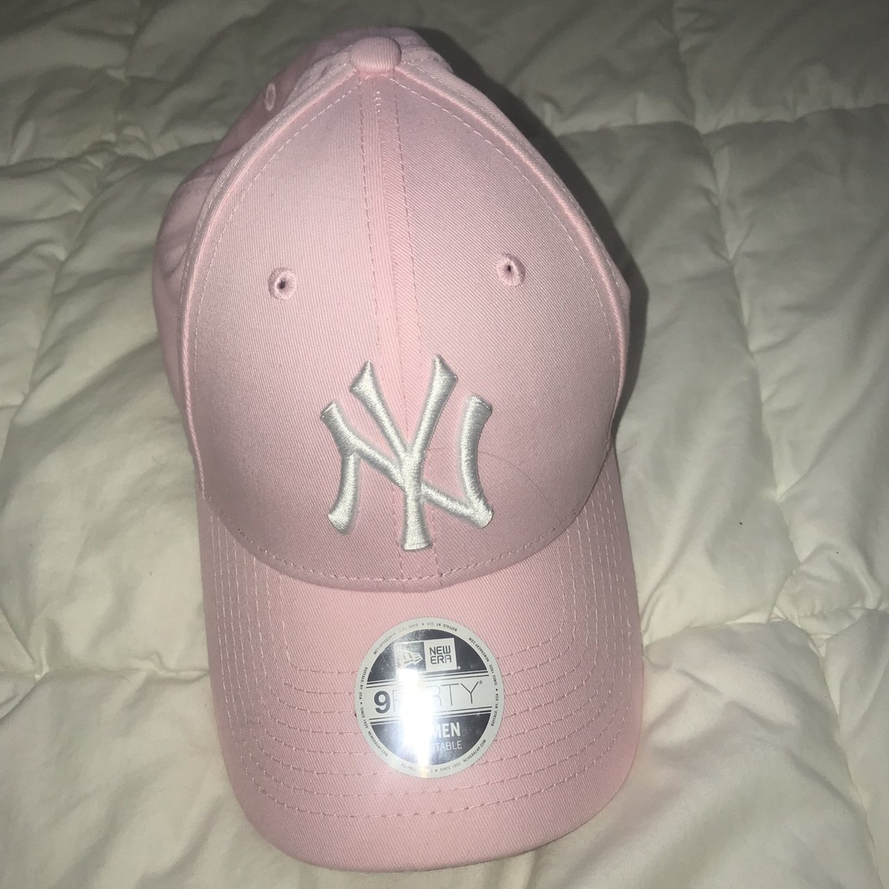 Baby pink NEW YORK HAT- NEVER WORN Pink isn t really my  ( - Depop 7ca3ab56af2