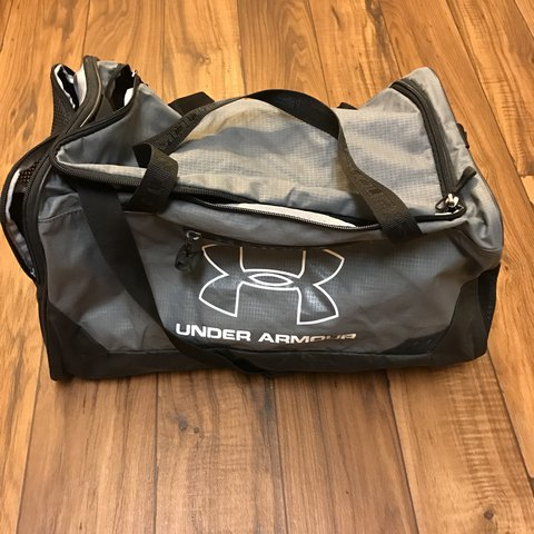4048486a9e28 Pre owned Under Armour small duffle bag    condition 8 10    - Depop