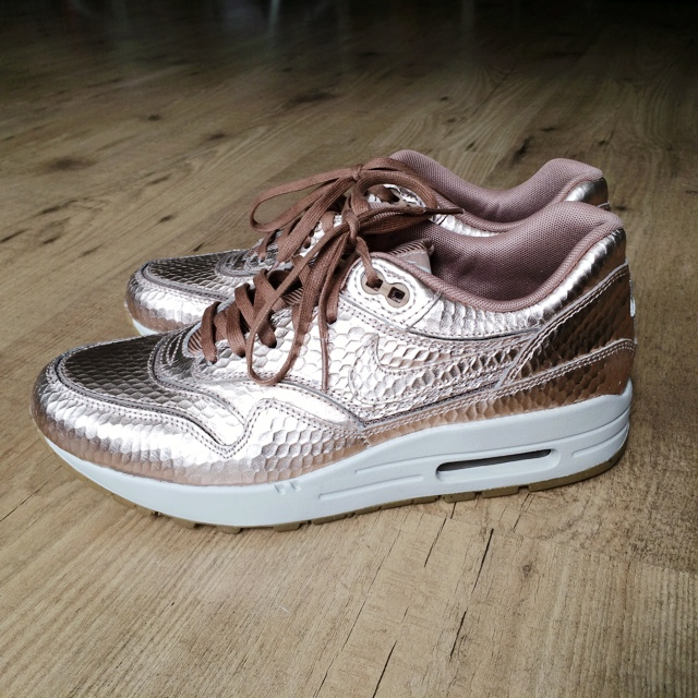 competitive price fa2d9 067c0 FOR SALE!! Nike Air Max 1 Premium Metallic Bronze Cut Out US - Depop
