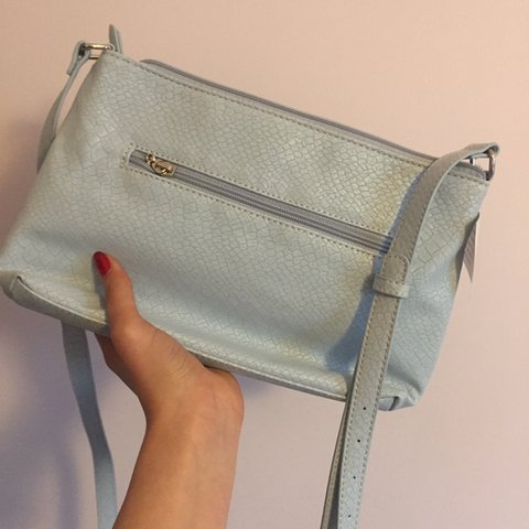 d3070a91ce @lill_. last month. Hove, United Kingdom. Brand new light #babyblue #handbag  ...
