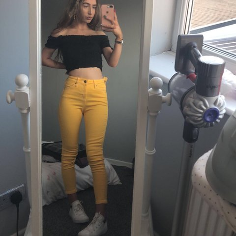 "81283974ff yellow skinny jamie jeans from top shop petite size 26"" just - Depop"